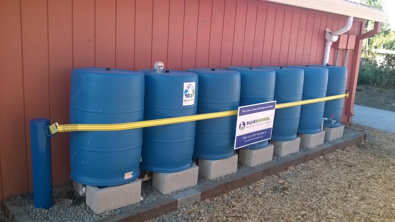 Strap rain barrels